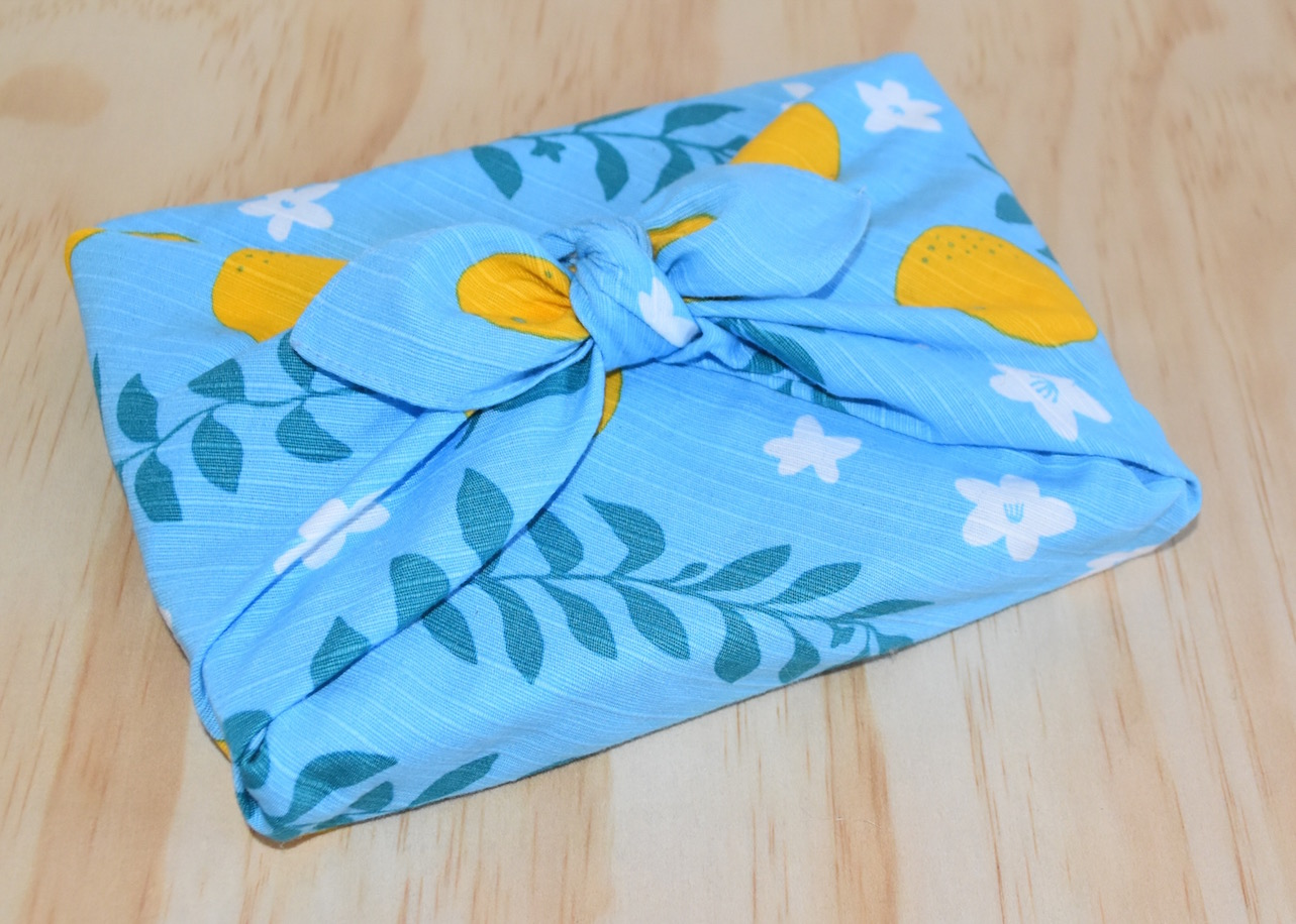 Upcycle with Furoshiki: the Japanese art of fabric wrapping – small ...
